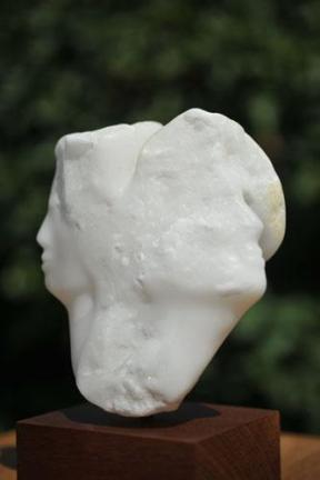 sculpture de femme d'homme - tête - Dominique Rivaux - albâtre du Brésil