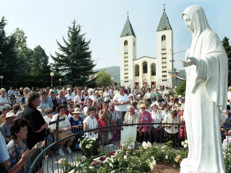 I 10 Segreti di Medjugorje : dalle Interviste ai Messaggi di Maria Regina della Pace.