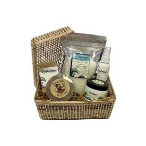 Product image for warm and cozy spa gift basket