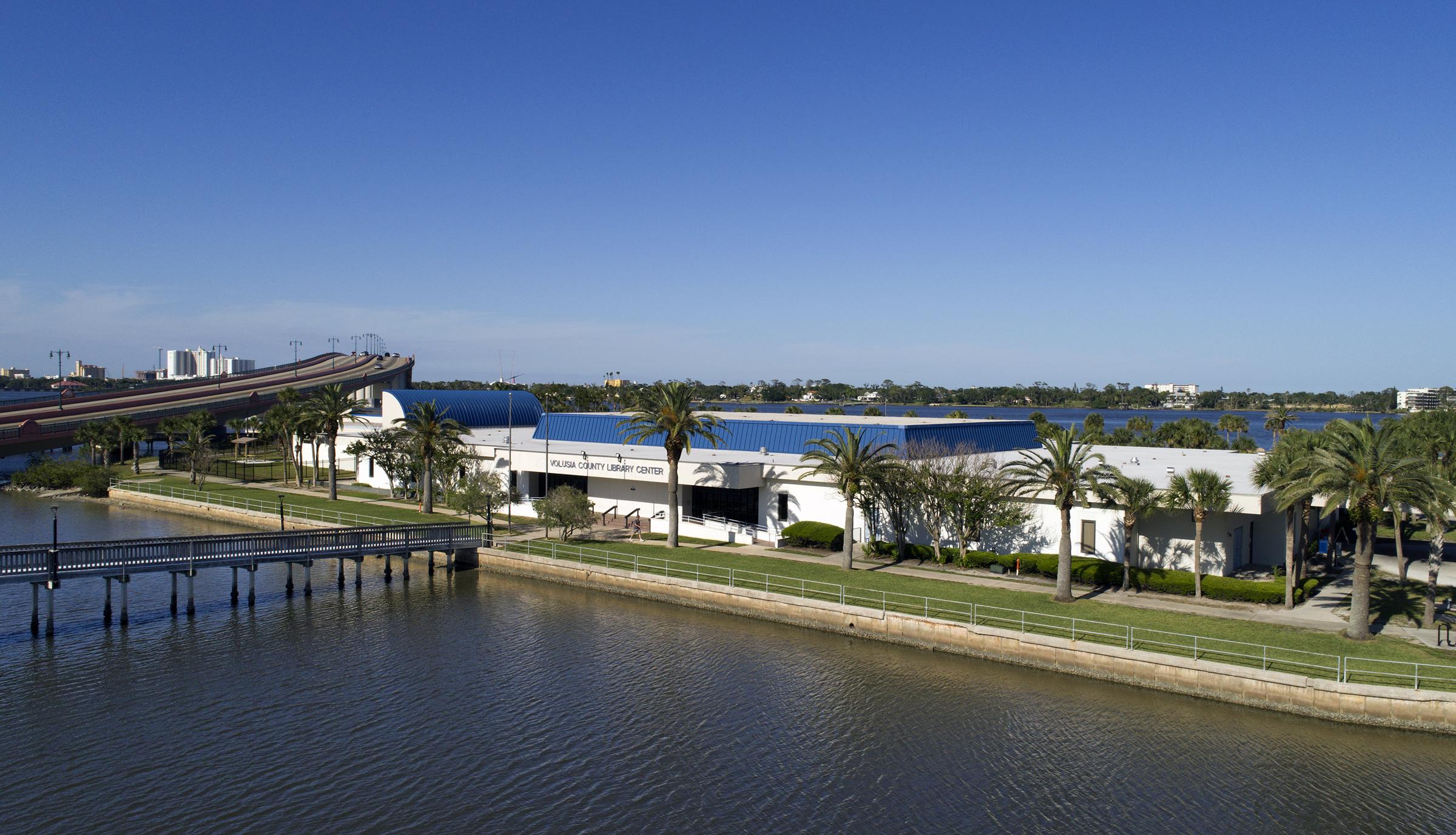 Daytona Beach Regional Library