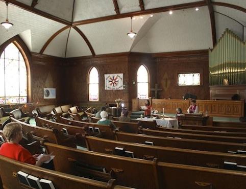 2013 0311 first parish interior.jp