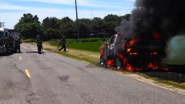 2014 0622 car fire