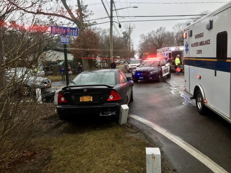 Three-car crash sends four to hospital | RiverheadLOCAL