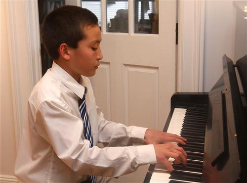 Cole Hempel, 12, performing at East End Arts last Friday. (Credit: Barbaraellen Koch)