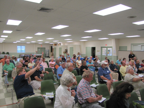 A full house turned out for Southold Voice's annual meeting Saturday, where the subject of helicopter noise was discussed