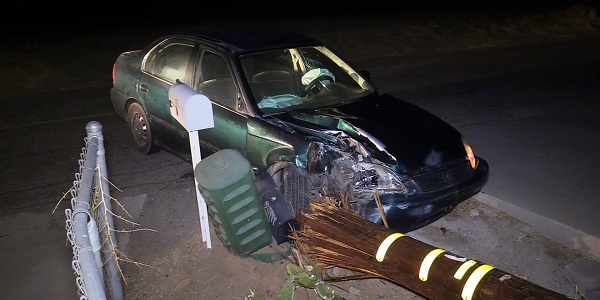 NUEVO: Officials searching for man who fled after crashing into SCE pole, power box