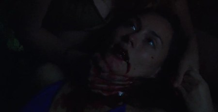 bikini-girls-on-ice-horror (9)