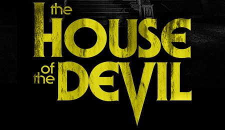 the-house-of-the-devil-2009-poster-05