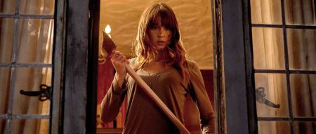Youre-Next-Sharni-Vinson-axe