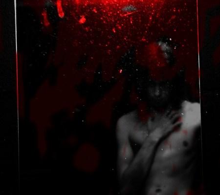 boy-in-bloody-mirror