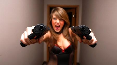 girl-gun-sexy