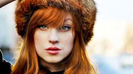 beautiful-redhead-girl-fur-hat
