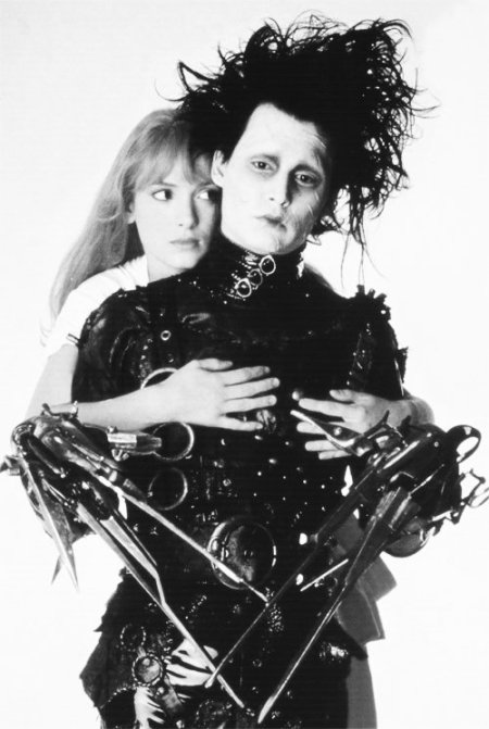 black-and-white-edward-edward-scissorhands-edward-scissors-hands-Favim.com-535940