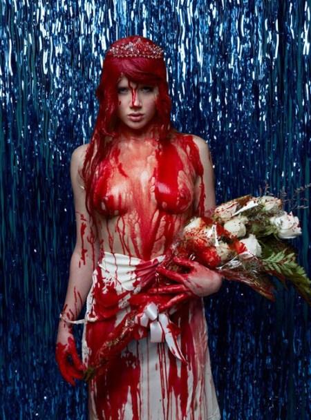 500x_72dpi_mosh_bloodyprom_nerdcore2010_uncensored