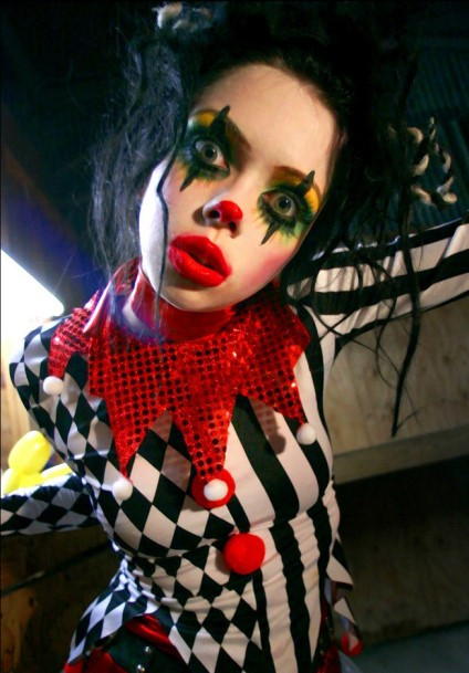 creepy-goth-clown-girl-001