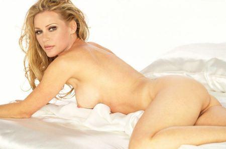 dedee-pfeiffer-nude-photo