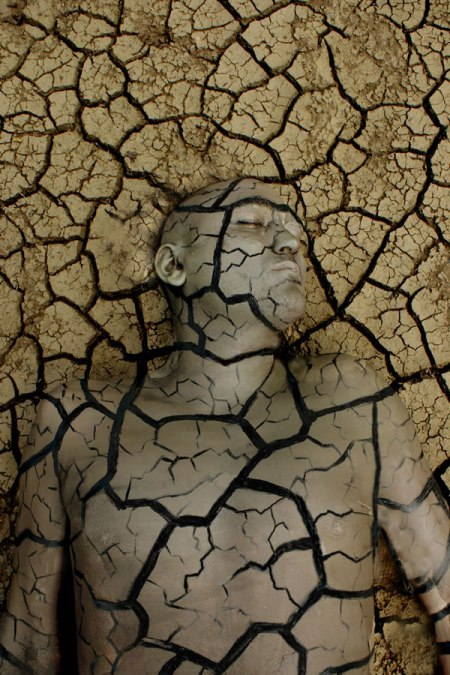 Ingeniously-Camouflages-Using-Body-Painting1