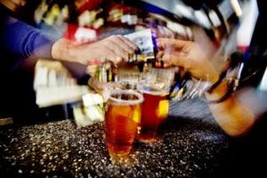 norwegian_research_shows_high_level_of_serving_alcohol_to_inebriated_customers_large