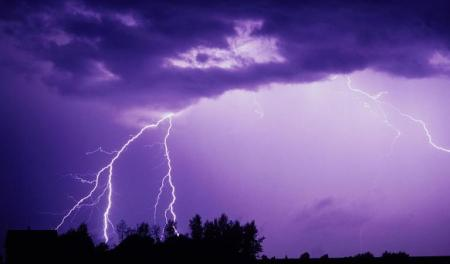 1-lightning-and-thunderclouds-carson-ganci