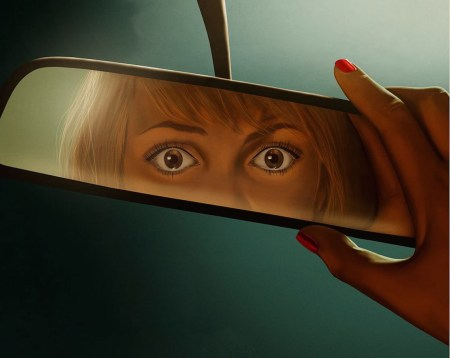 it-follows-2015-horror-movie-reviews-box-office-success-leads-to-wide-theater-release-vod-delayed-for-now