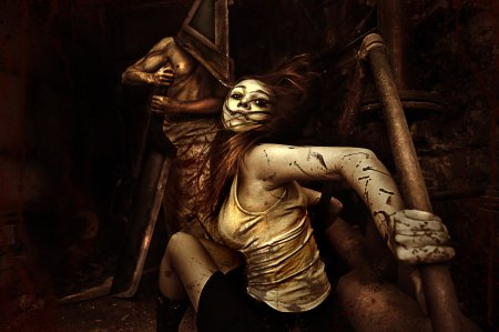 silent_hill_cosplay_by_anima89-d4apb3h