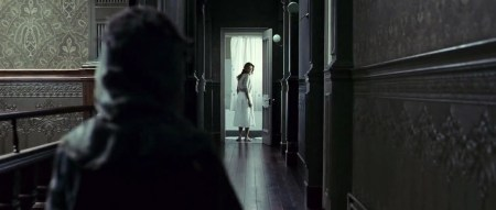 the_orphanage_horror_review (8)
