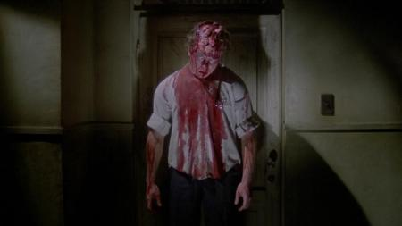 house-by-the-cemetery-horror-review (13)