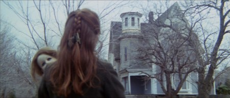 house-by-the-cemetery-horror-review (8)