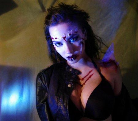 julie_walker_return_of_the_living_dead_3_by_niccifett-d5mbfwo
