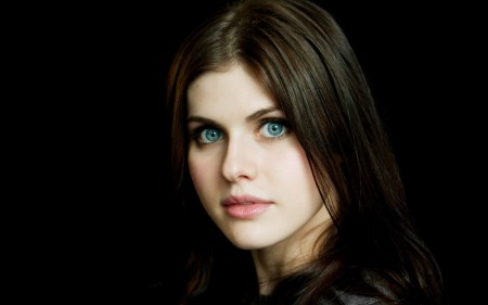 Alexandra-Daddario-for-desktop