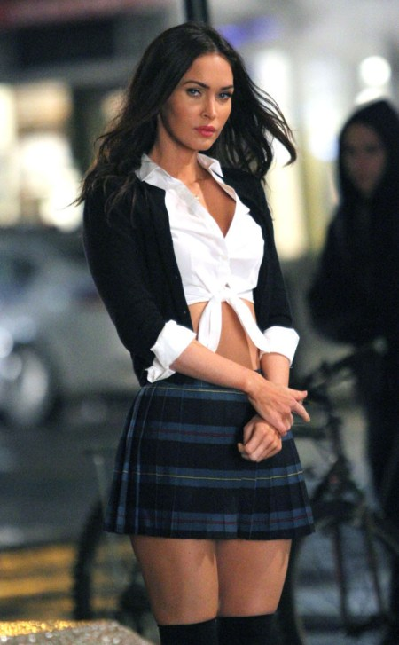 rs_634x1024-150603091305-634.Megan-Fox-School-Girl-TMNT-2-BTS-JR-60315