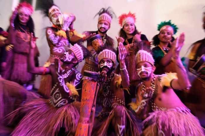 Musik pengiring tarian yospan