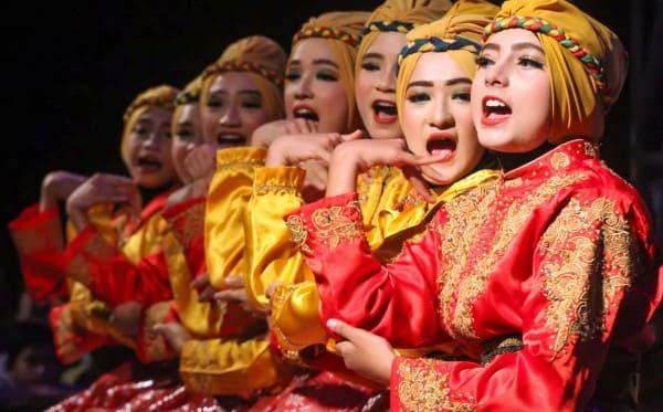 Tari Tradisional Bungong Jeumpa Aceh