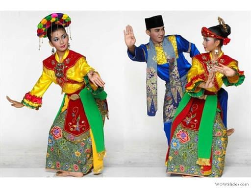 Tari Sirih Kuning sebagai tari pengiring prosesi pernikahan adat Betawi