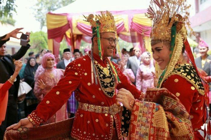 Gambar penari andun dalam pernikahan