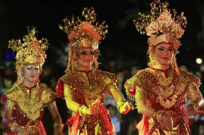 Gambar tiga penari gending sriwijaya