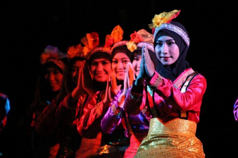 Gambar tari kreasi baru ratoh jaroe Aceh