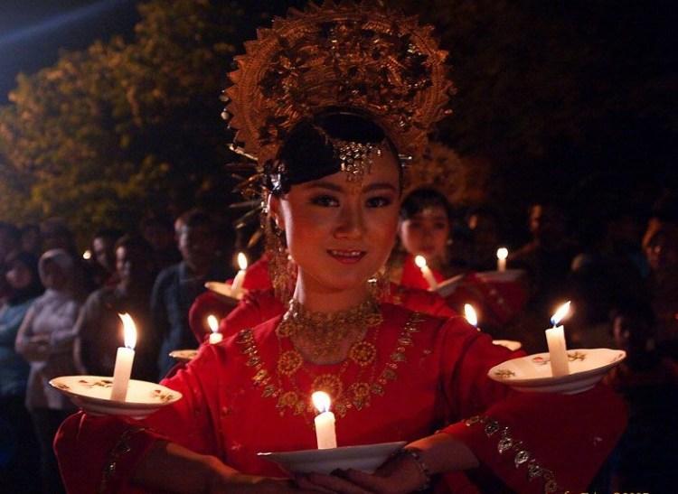 Gambar riasan penari lilin