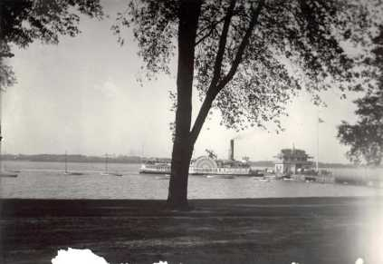Riverton Yacht Club & Columbia photo