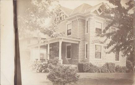 Riverton house