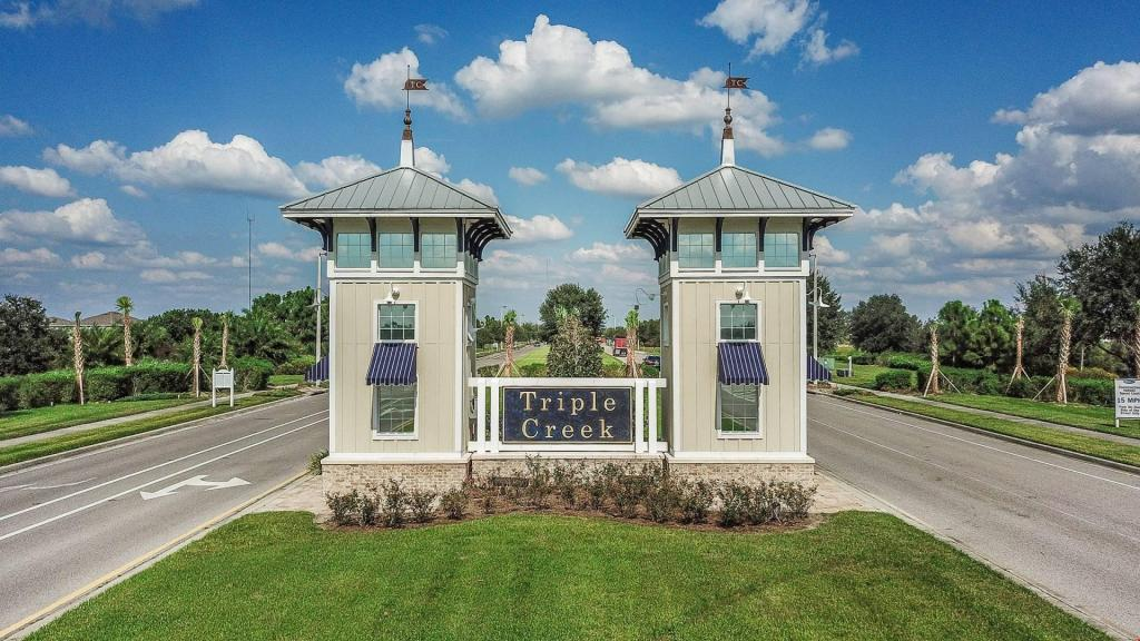 TRIPLE CREEK (RIVERVIEW) - CALL ME NOW TO SCHEDULE SHOWING APPT