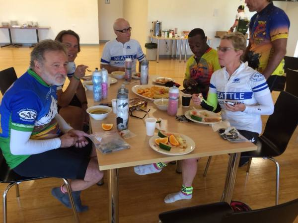 SIR crew lunching in Gnowangerup. photo: Banks