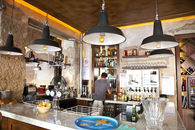 The bar area of Comptoir Central Électrique in Nice