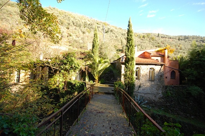 Access to the property in Dolcedo-Lecchiore