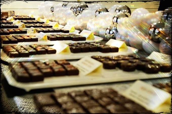 Xocoalt chocolate display