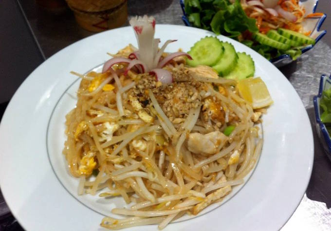 Pad Thai at Le Banthai in Vieux Nice