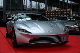 bond-expo-paris-db10