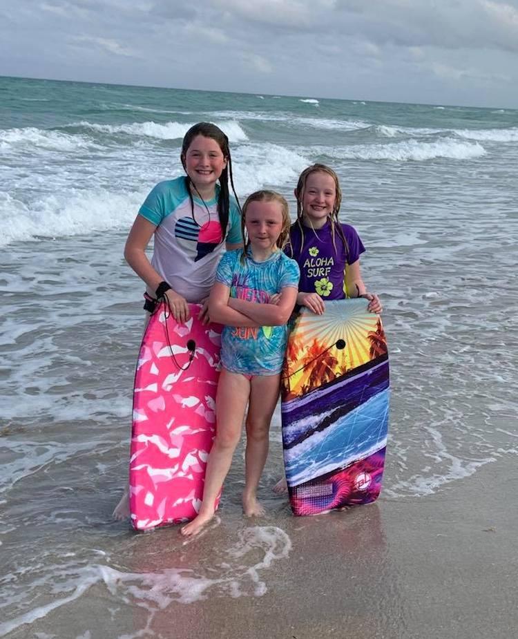 Lauren Graham and her sisters