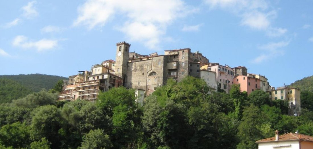 montemarcello vista sul borgo