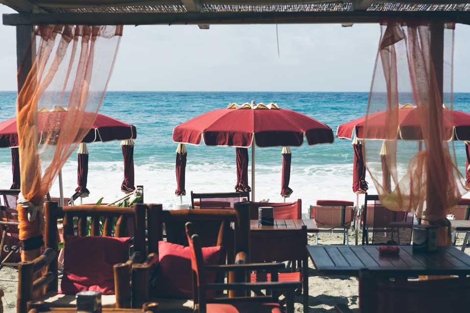 spiaggia varigotti Hotel Liliana